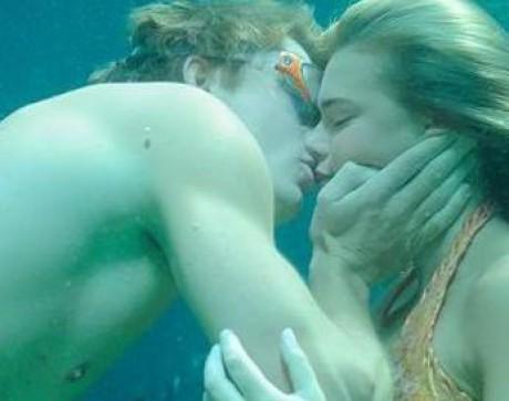 Ноя. Author. Самая красивая пара из сериала H2O: Просто добавь воды.
